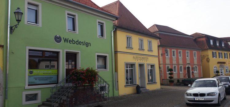 Beckspaced – die Webagentur am Marienplatz 9 in Wiesentheid nun in neuer Pracht & Farbenglanz!